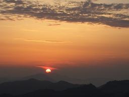 屋島から見た朝日